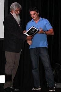 Steve Ella receiving a National Indigenous Drug and Alcohol First Peoples Award.